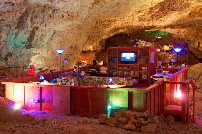 Grand canyon caverns suite på route 66   roadtrips i usa
