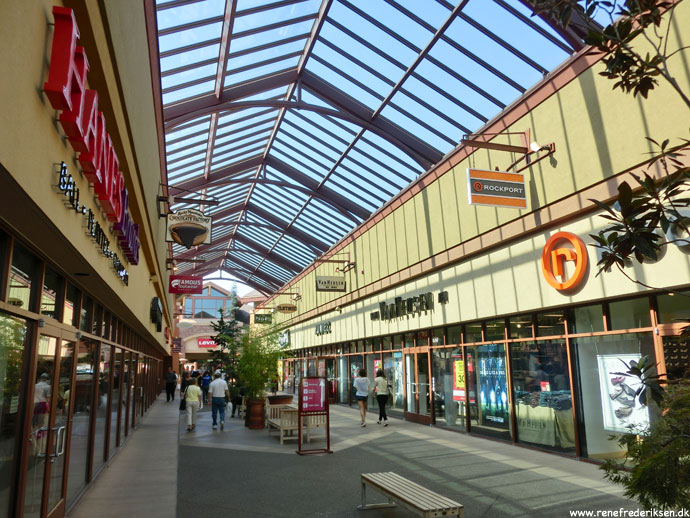 shopping_burger_Roadtrip_2012-335