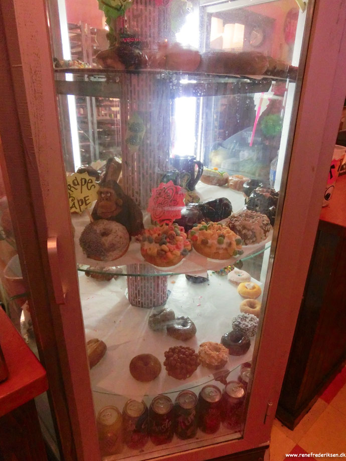 voodoo_doughnut_portland_Roadtrip_2012-349