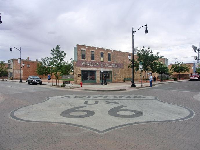 Standing on the corner, Meteor Crater og Flagstaff på Route 66