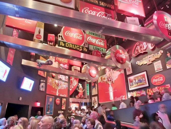 Coca-Cola og hundekunster i Atlanta