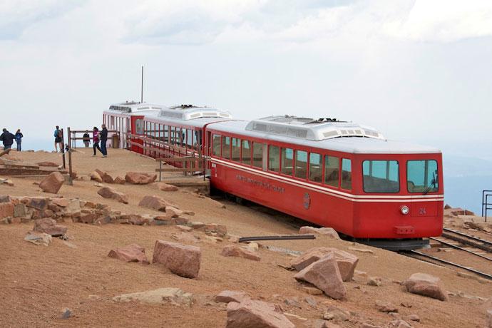 Op på Pikes Peak med tog