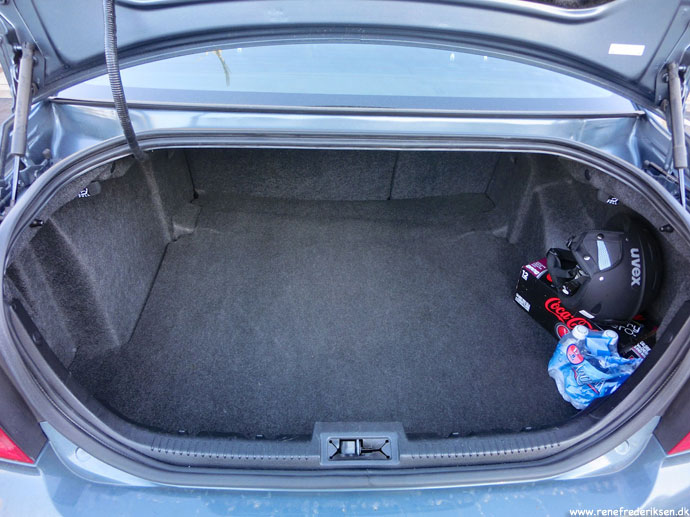 ford_fusion_trunk_bagagerum_jan_2013-7