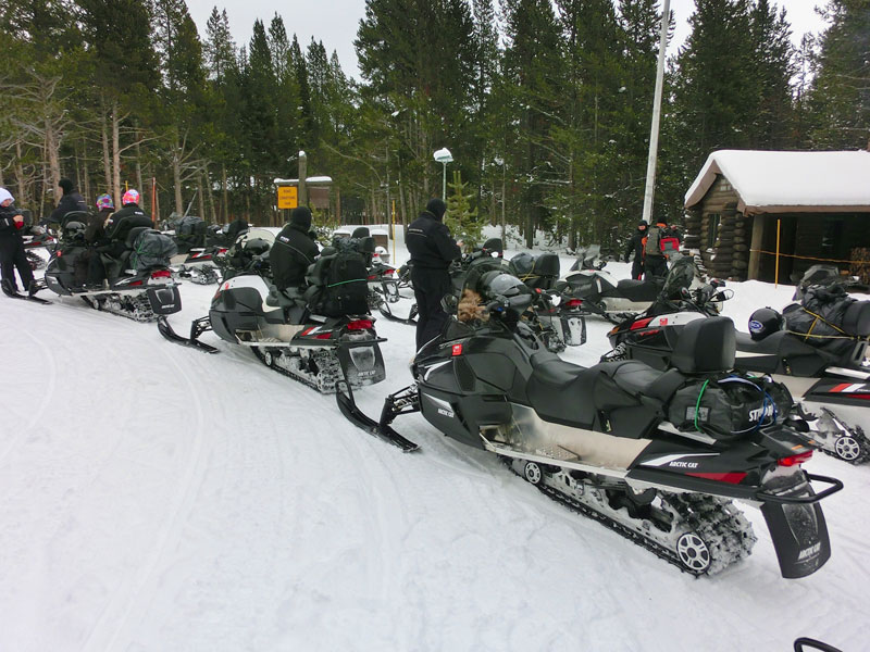 yellowstone_snowmobile_day1_roadtrip_2013-15