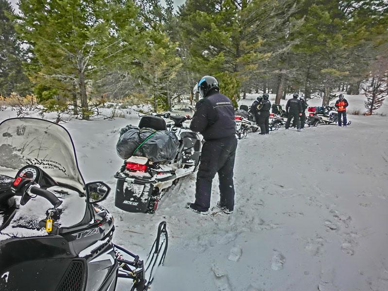 yellowstone_snowmobile_day2_roadtrip_2013-21