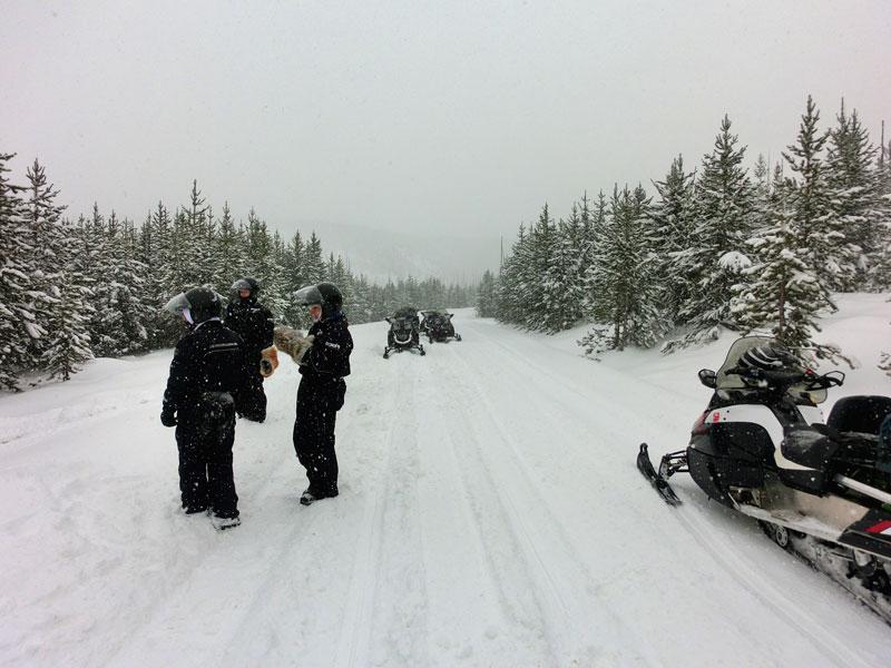 yellowstone_snowmobile_day2_roadtrip_2013-24