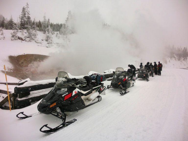 Yellowstone snescooter tur, bison og nytårsaften – dag 2