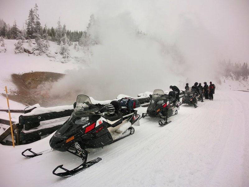 yellowstone_snowmobile_day2_roadtrip_2013-26