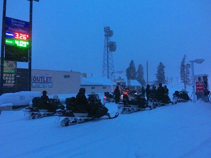 yellowstone_snowmobile_day2_roadtrip_2013-28