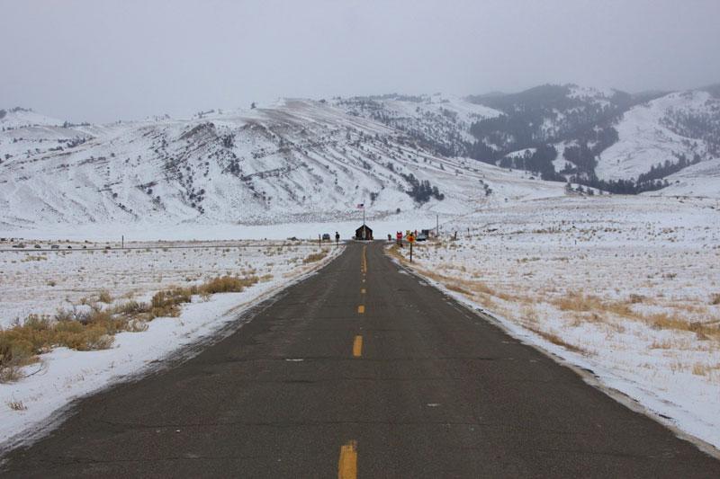 yellowstone_snowmobile_day2_roadtrip_2013-5