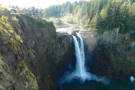Vandfald og tysk by i staten Washington