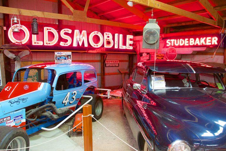 Homesteaders, bilmuseum og Corn Palace