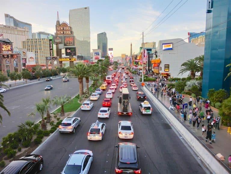 Las Vegas på gåben og High Roller pariserhjul