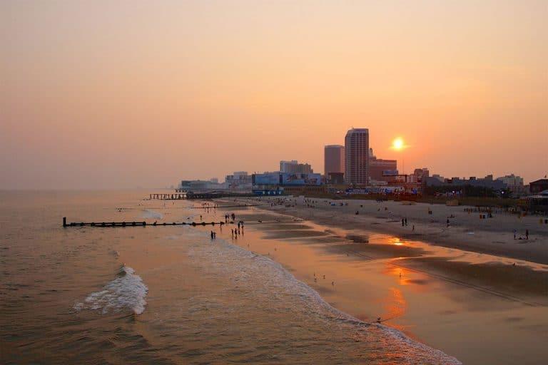 Atlantic City boardwalk og strand, New Jersey