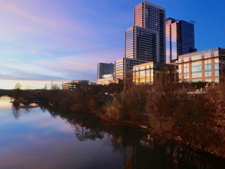 Solnedgang, BBQ og Live Musik i Austin