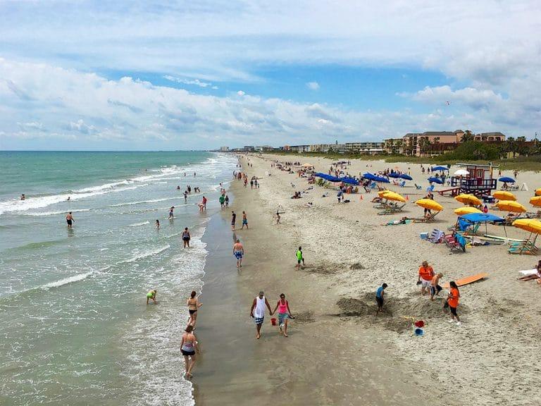 Cocoa Beach, Ron Jon Surf og minigolf