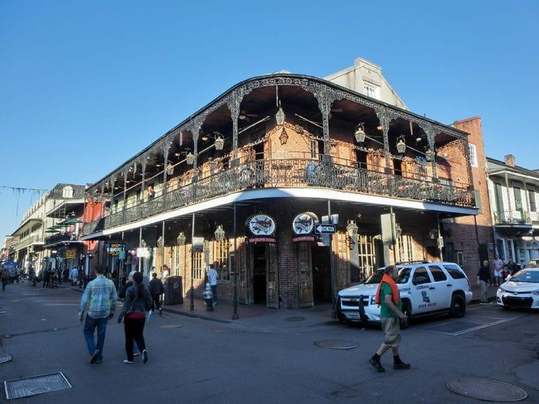 Turen til New Orleans og Airbnb lejlighed