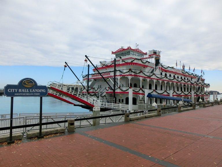 Hjemsøgt hotel i Savannah og havnefront