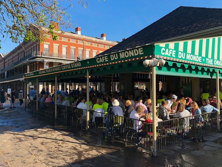Cafe du Monde Beignets og kirkegård tour