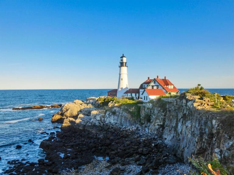 Fyrtårn og hummer i Portland, Maine